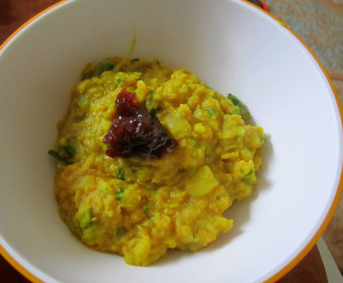 Inflammation-Fighting Lentil Curry with Turmeric and Cranberry Chutney